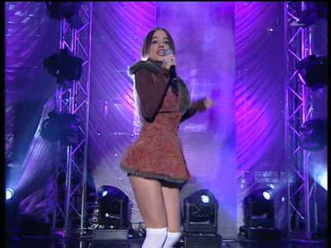 Alizee – Moi Lolita – live (HQ)