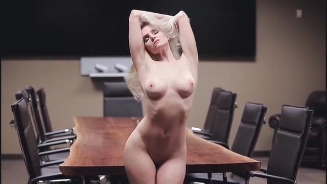Liz Ashley – Strip