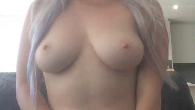 Victoria Selfie Vid