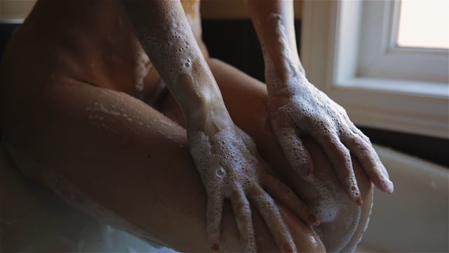 _tov_ Bubble Bath