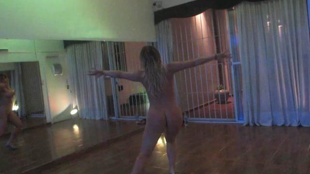 Ayelen P tango desnuda