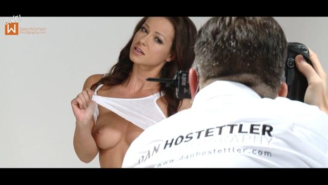 Show Review – LIVE! Melisa Mendini Nude Photo Shoot