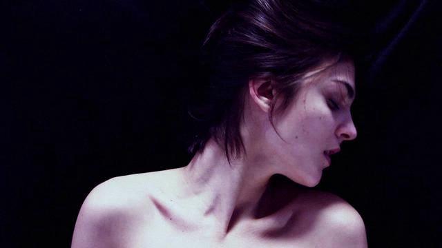 Alex Clare – Relax My Beloved